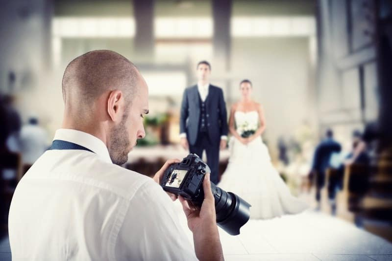 Choosing the best photographer for your wedding photos